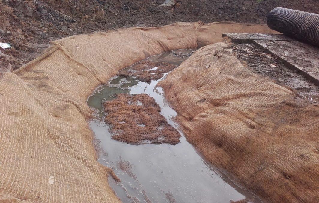 Silt Net 150 River diversion channel lining