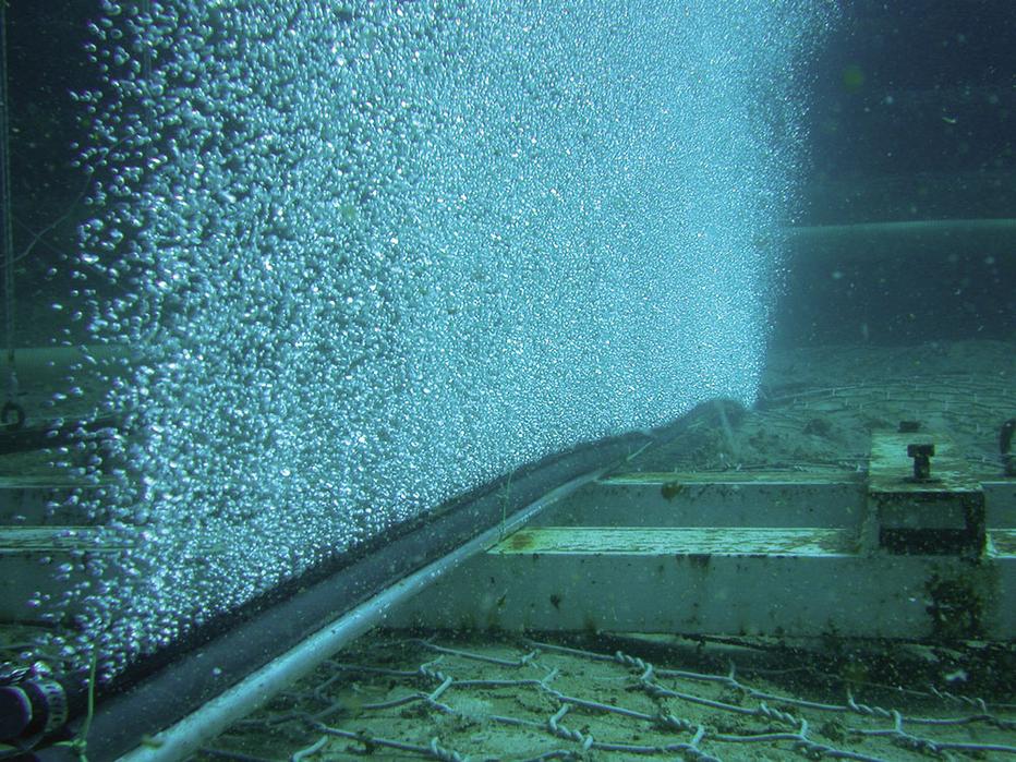 Bubble Tubing underwater