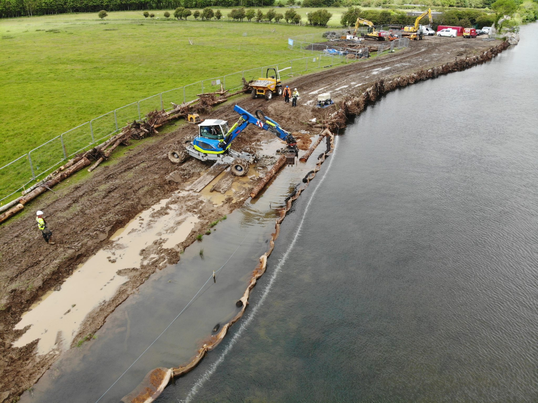 Silt-control-using-SiltMats-and-Bubble-barrier-Yearl-Weir